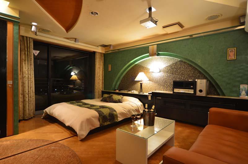 Room603